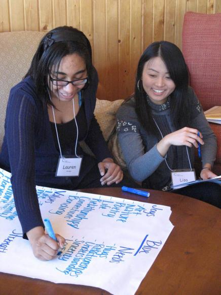 2 UM students particpate in a leadership training activity