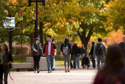 Campus - students on the diag