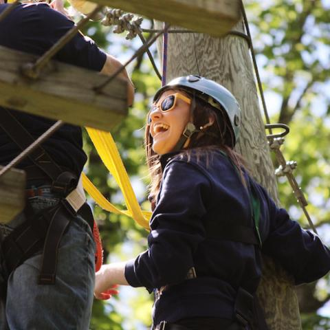 Student at the high ropes course